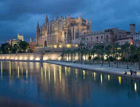 Vuelos baratos Mallorca: Catedral de Palma de Mallorca.